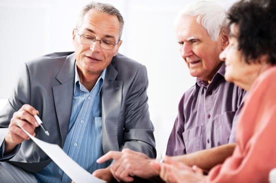 Seniorer ansöker om lån