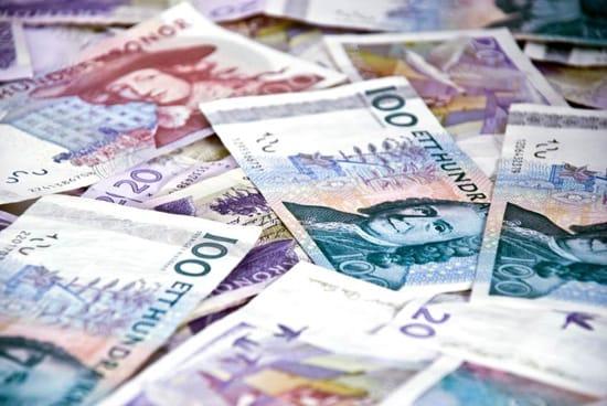 Svenska sedlar i olika valörer